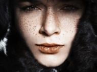 Justine Jugnet - Femme Portrait Beaute Taches Rousseur Lyon - Ame Sensible - Studio le carre