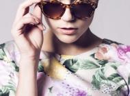 Justine Jugnet - Femme Portrait  Book Lunettes Lyon Mode - Test Agence - Studio le carre