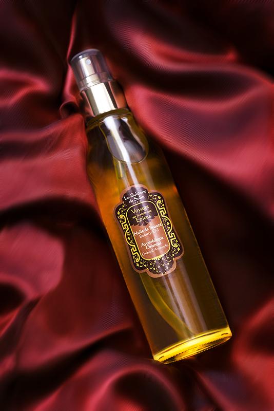 _JUJ4168-Photo de produit packshot creme parfum huile beaute