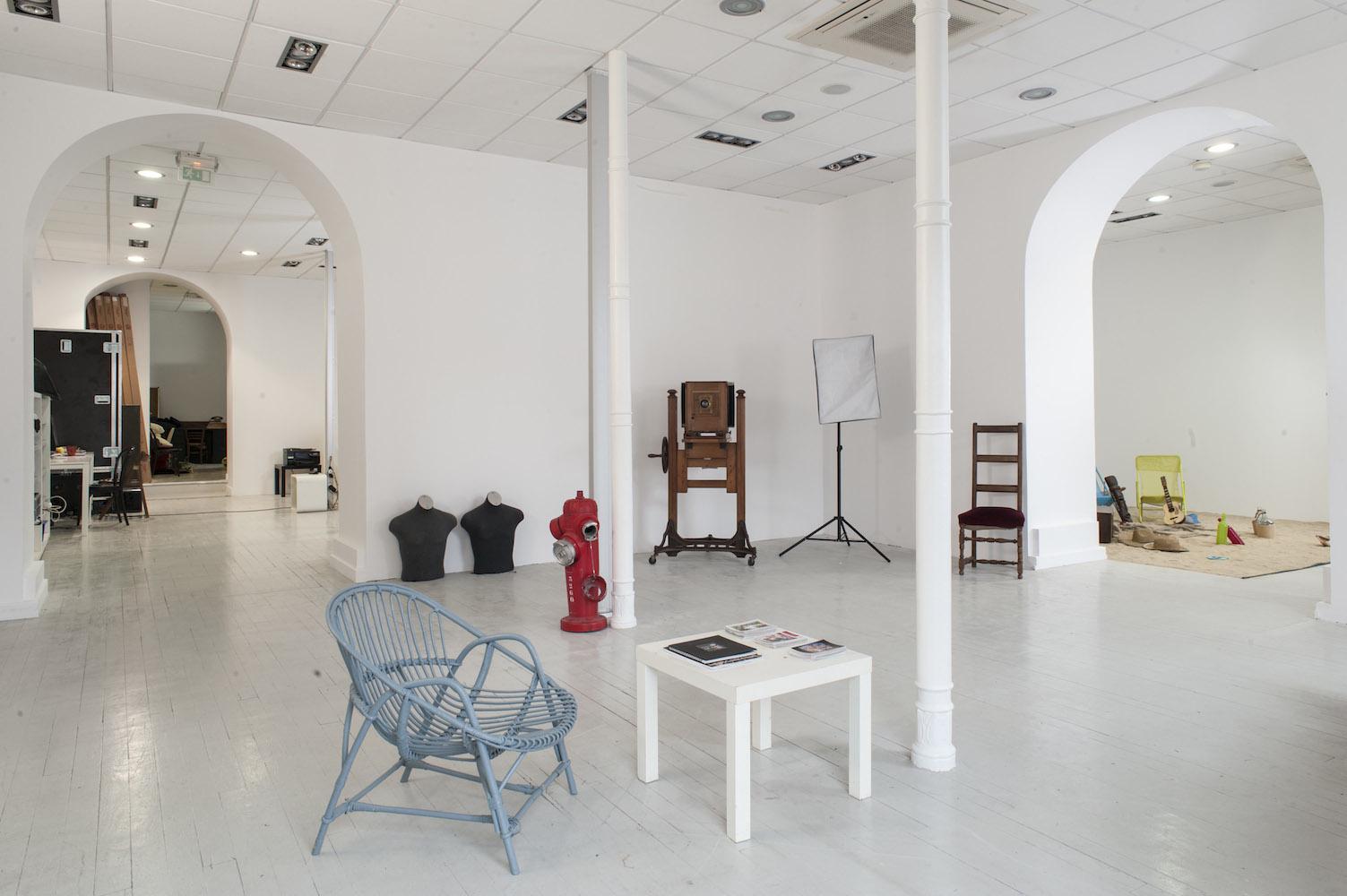 le studio le carr d m nage pour occuper de beaux et grands locaux tout neufs. Black Bedroom Furniture Sets. Home Design Ideas