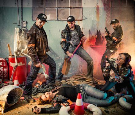 AzeLdfTghAjkLyuT1 Scène de crime ou la police trouve les organisateurs de cette événement original | police, arrestation, urbain, nuit | Idée d'activité photocall originale pour séminaire et soirée d'entreprise