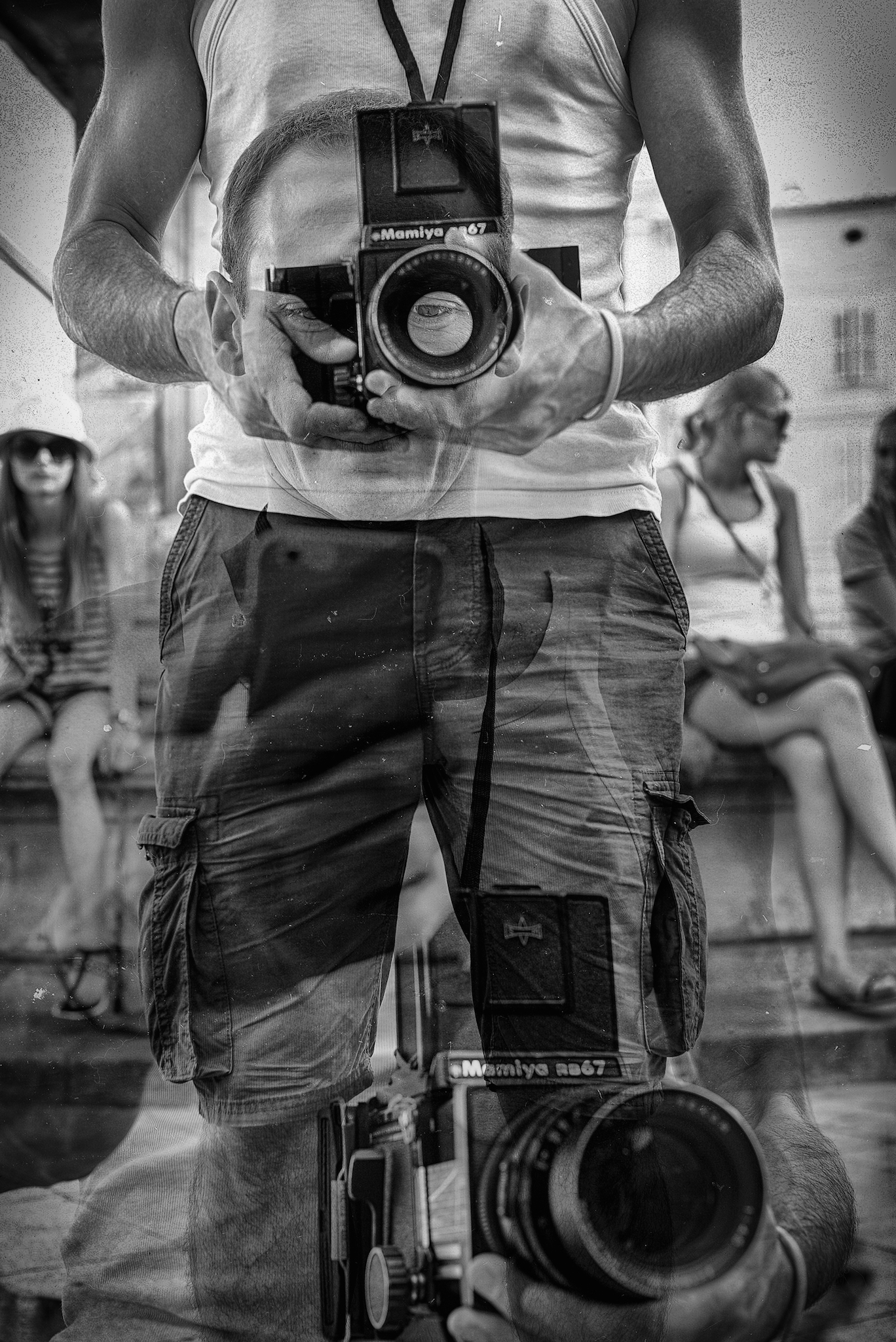 double expo, exposure, miroir, symetrie, video, photo, street, street photography, reportage, abstract, abstrait, exterior, live, video, danse, ciel, sky, wall, sea, mer, production, concept, buzz, photographe, realisateur, documentaire, studio le carre, studio, lyon france, maroc, metro, subway