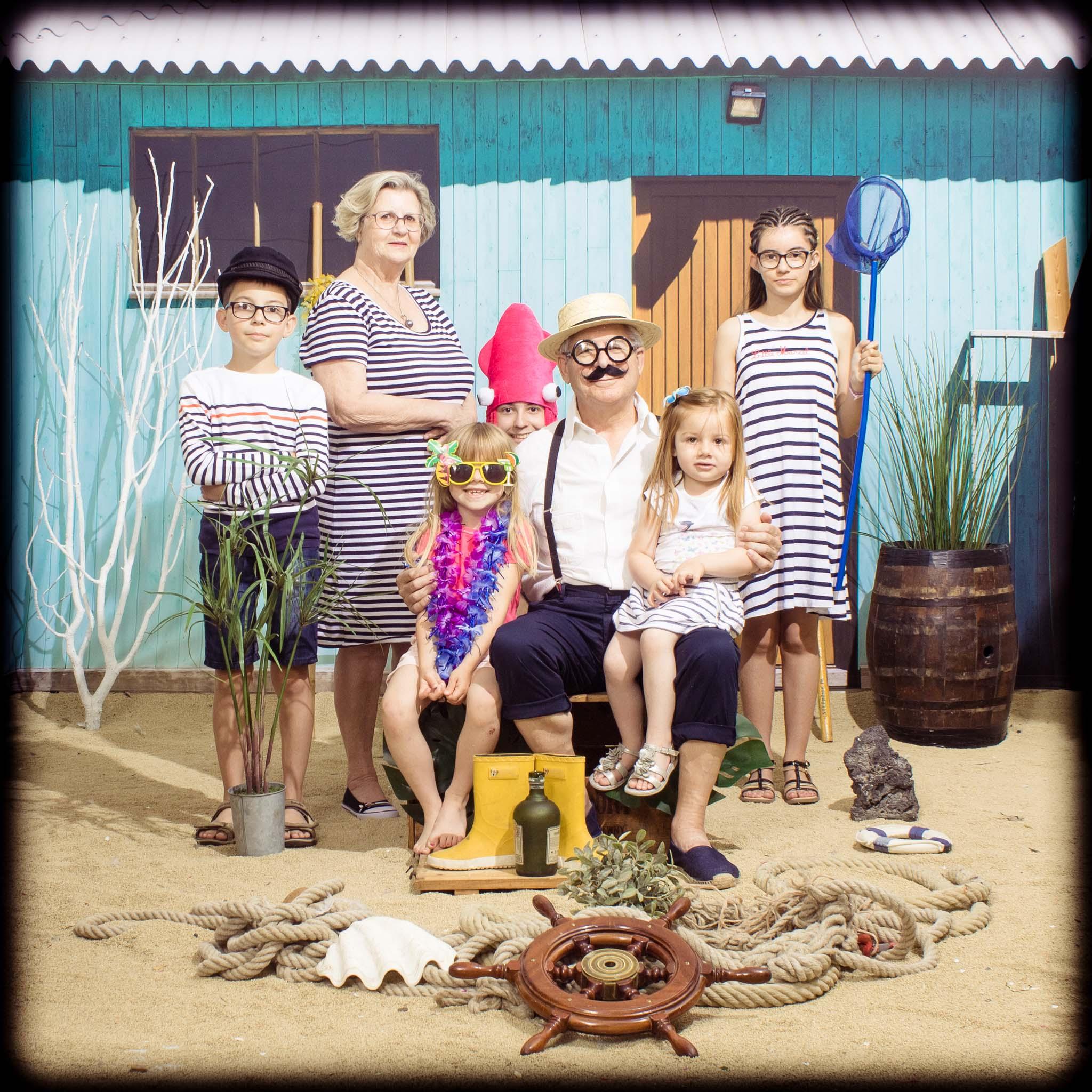 EVJF, Amazing Beach, enterrement de vie de jeune fille, evenement entreprise, studio photo, photo de famille, portrait de famille, plage, photo famille originale, idee cadeau, idee cadeau fille, idee cadeau maman