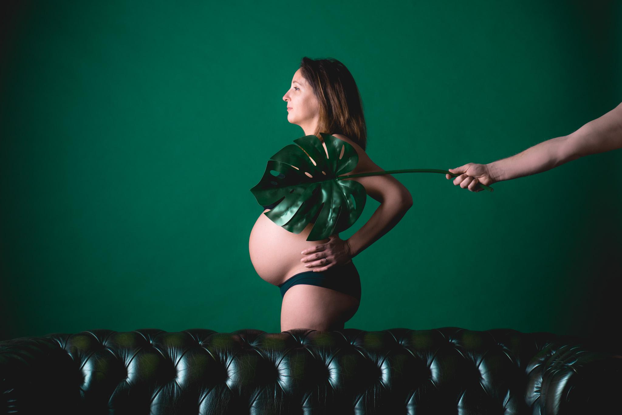 Manon DUCLOS,photographe Lyon, shooting photo studio, idee cadeau original, idee cadeau homme, saint valentin, portrait famille, femme enceinte, grossesse, shooting photo grossesse, seance photo femme enceinte, photographe grossesse