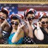 Femme vintage américaine avec lunette de soleil