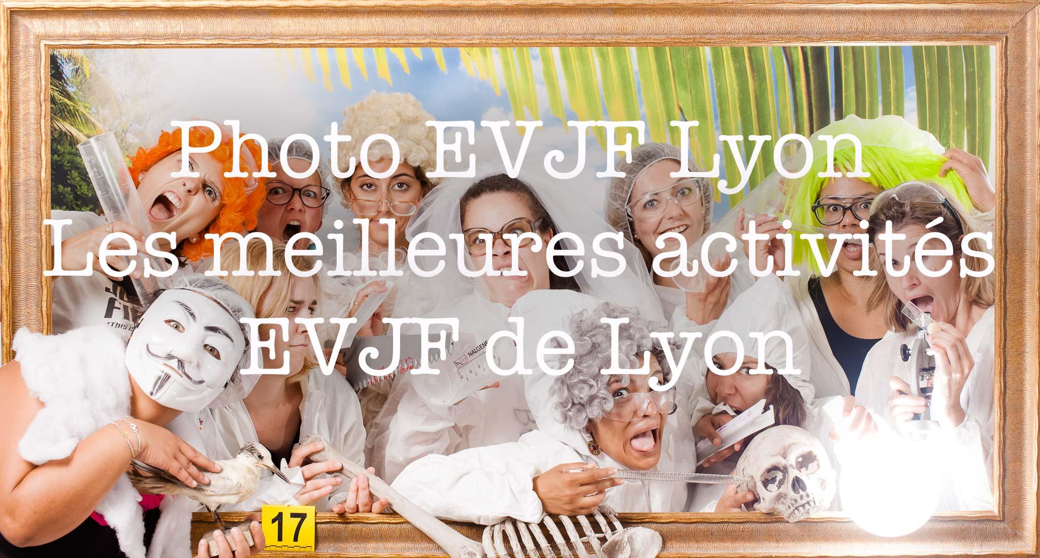 Photo EVJF Lyon les meilleures activités, idées d'organisation d'activité originale pour enterrement de vie de jeune fille avec décor accessoires et déguisement pour un weekend entre copine, Activité originale Amazing Rembrandt