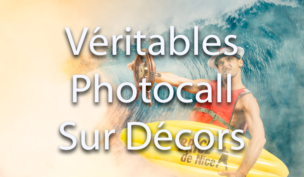 Photocall avec décor et mise en scène pour tous vos événements soirées et séminaires d'entreprises | Activité surf sur décor lors de votre séminaire | vague, mer, surf, chapeau, sport