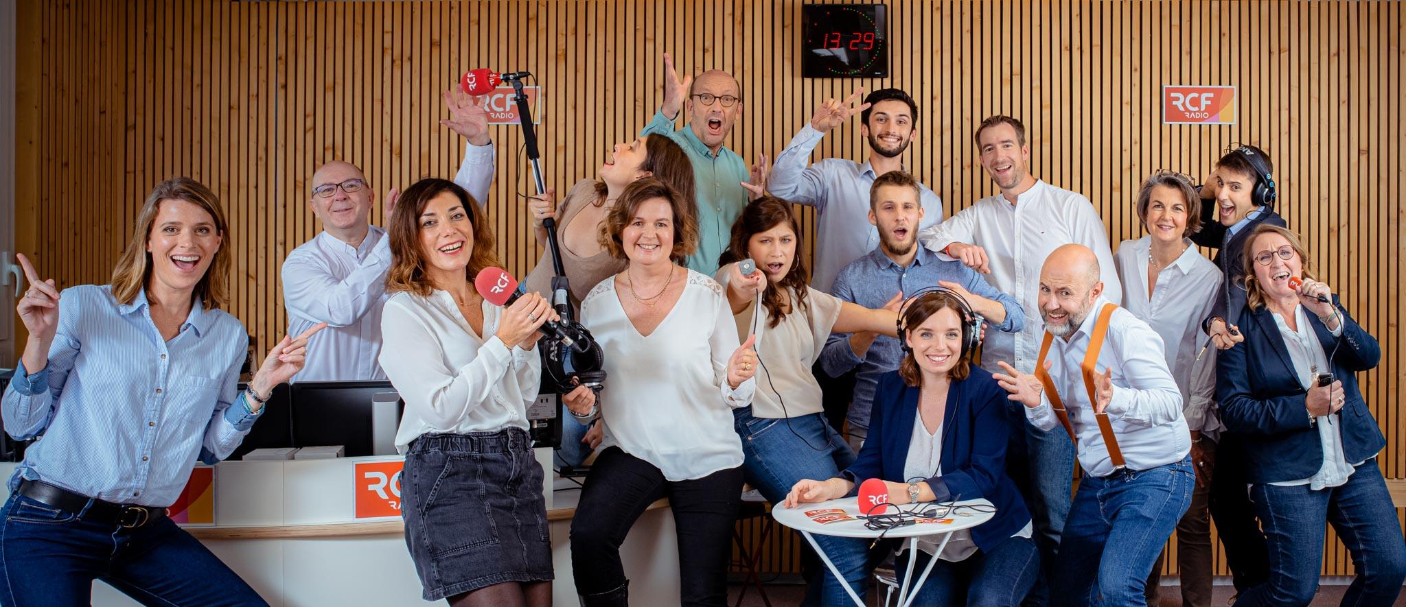 photo originale d'equipe professionnel en entreprise Radio RCF Lyon